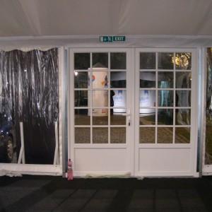 Plastové dveře k party stanu od AB Party