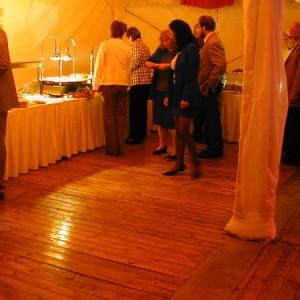 Podlahy do party stanů od AB Party